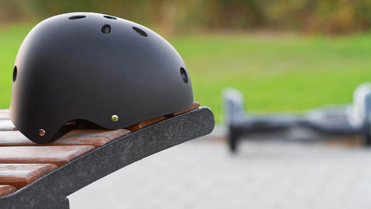 Skaterhelm mit Hoverkart
